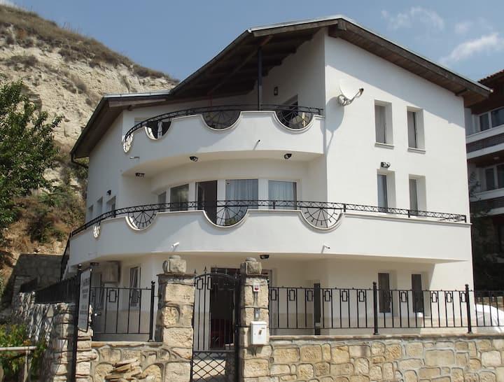 Villa Monche - Luxury Sea Front Property
