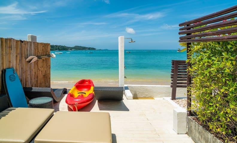 Spacious Studio in a Beachfront Villa w/Pool