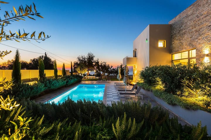A Brand New,High Quality Villa  & Panoramic View
