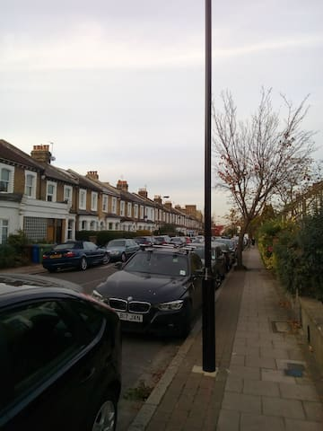 1 Bed Flat With Hot Tub In Beautiful East Dulwich