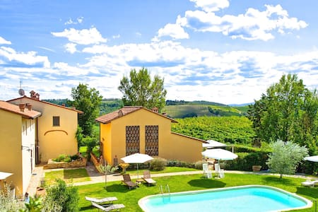 Villa Riccardo in Chianti with pool and views - Floransa - Villa