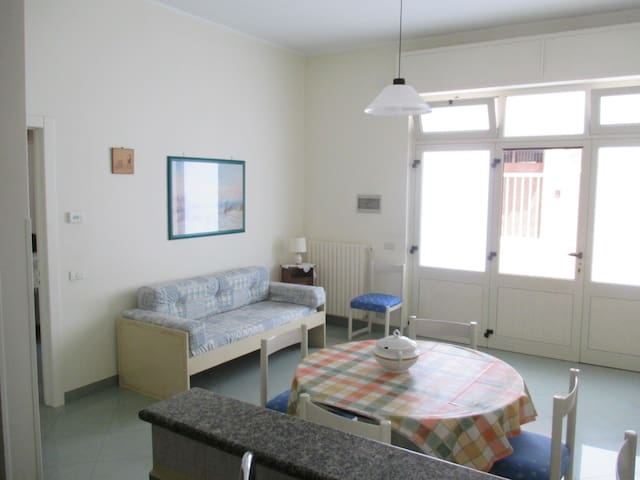 Province apartment near Bari with private parking