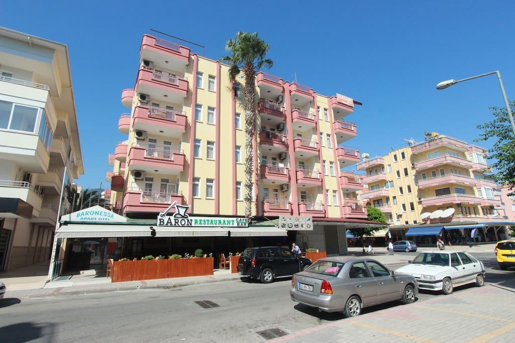 Elegant baronessa apartments boutiques h tels louer for Reglement interieur immeuble locatif
