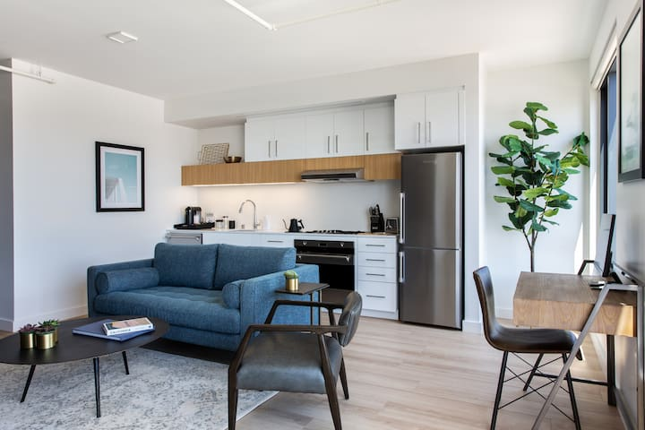 Locale | San Francisco Dogpatch | 2BR-1BA Suite