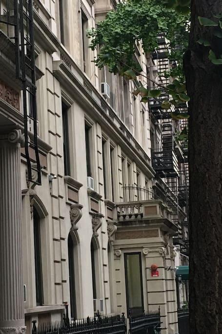 Quaint quiet uws appartamenti serviti in affitto a new for Appartamenti affitto nyc