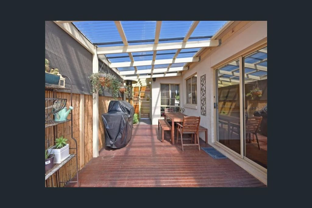 Beautifully Kept 3 Bedroom Home Houses For Rent In California Gully Victoria Australia
