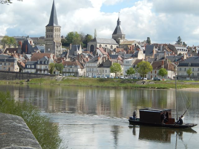 Maison dans Cité Médiévale et Ville du livre - La Charité-sur-Loire - Hus