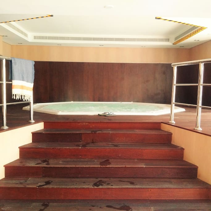 Building facilites - Hot Tub