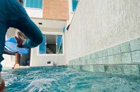 Casa com piscina aquecida e hidromassagem