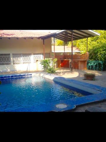 Appartament pres de la mer, piscine, bbq,wifi - Masachapa - Daire