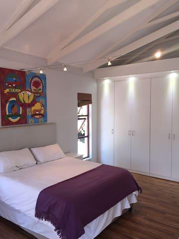 Modern, clean, spacious studio loft