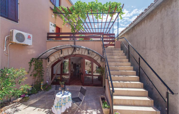 Holiday apartment with 1 bedroom on 43 m² in Punat