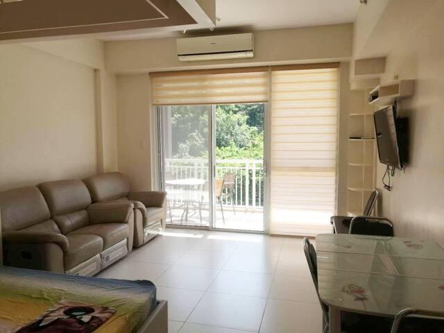 Fully-furnished Studio Unit in Pico de Loro