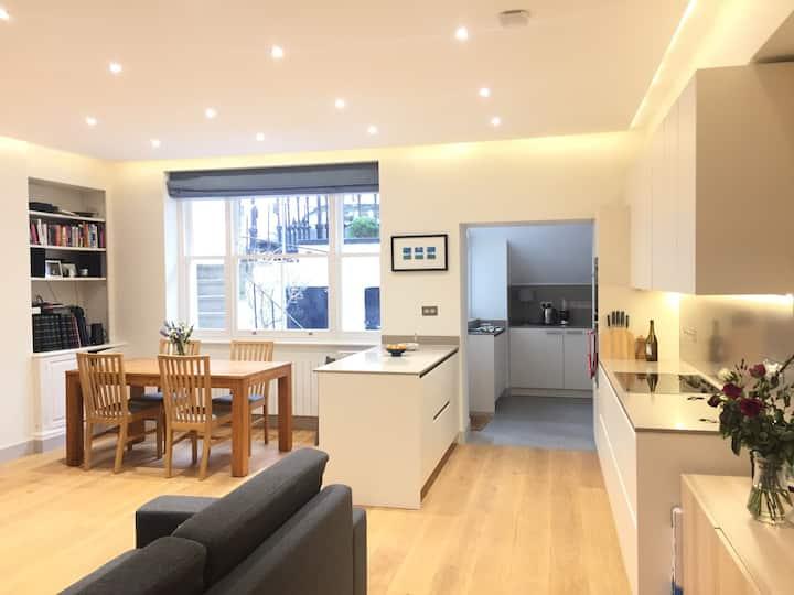 Notting Hill superb garden flat- 3bedroom