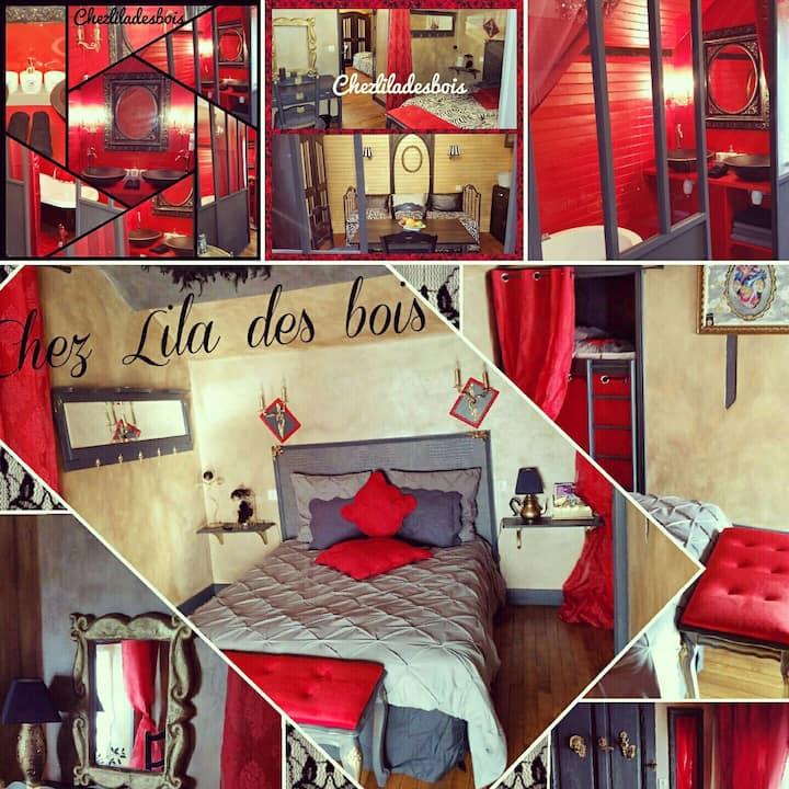 Suite baroque Chez Lila des bois,jacuzzi, piscine
