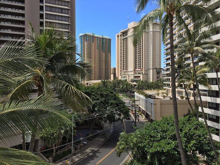 Hidden haven in Waikiki!