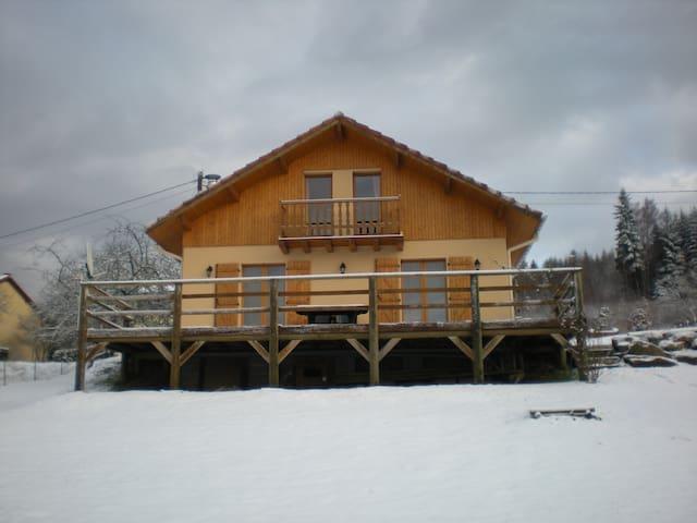Maison type chalet - Mortagne - Hus