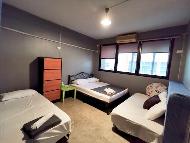 .Entire Apartment for 18 guests/50m from BTS train