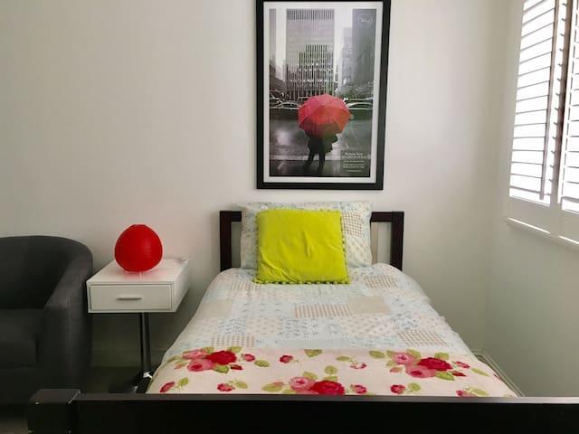 Cosy Single Bedroom/ EnSuite/ WiFi/ TV