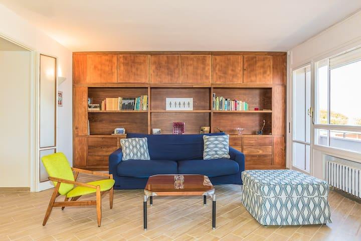 Esclusivo panoramico appartamento con posto auto