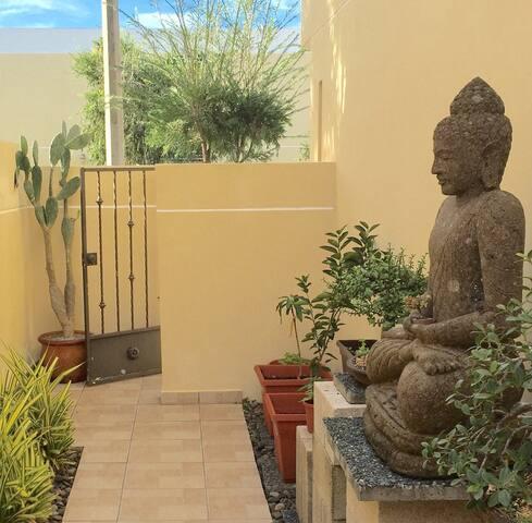 White Heron Rainforest & Beach House/ Zen Room