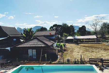 Beautiful hostel in Vang Vieng - C'est Lar Vi