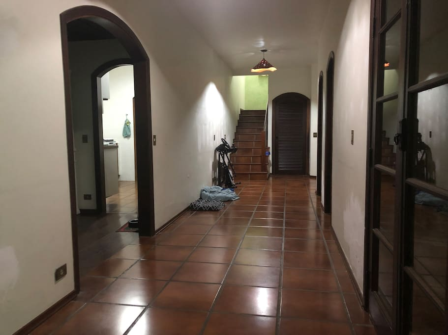 Corredor Entrada / Entrance Corridor