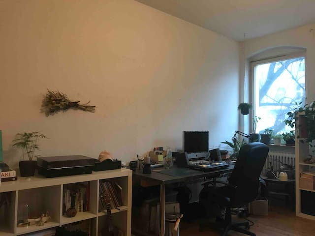 Big bright room in the heart of Neukölln
