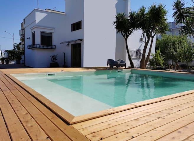 Suite con piscina nel Salento