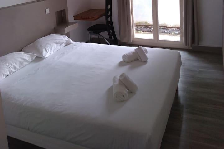 Chambre double à l'hôtel-restaurant des Glycines