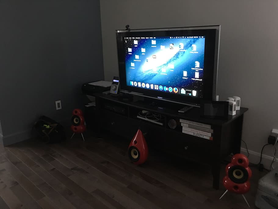 Sound system and mac computer