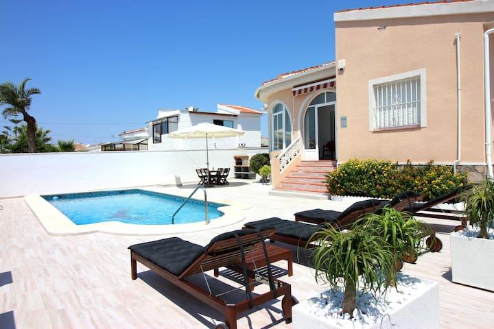 Villa Private Pool - Casa Bruno
