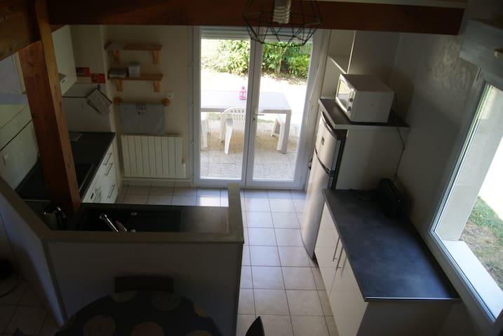 Jolie maisonnette avec terrasse, 3 min Futuroscope