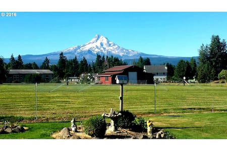 Dog Friendly Stay at Harmony House - Mount Hood - 独立屋
