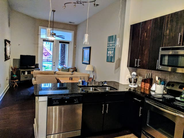 1BR in heart of Plaza Midwood/Eliz No Cleaning Fee - Charlotte - Apartment