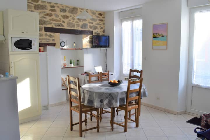 Lovely and cosy flat 5mn walk from the beach