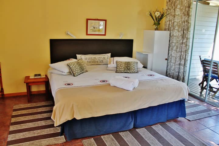 King of kings  Self-catering - The Heads Room