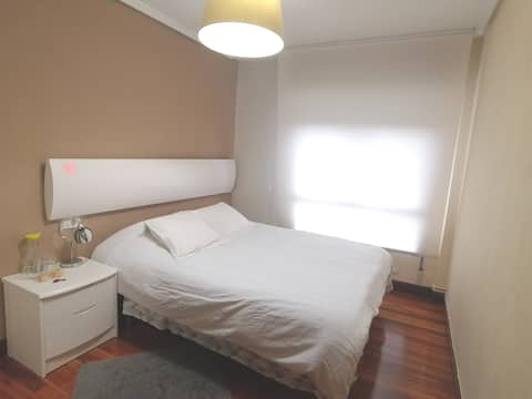 Habitación acogedora, descanso pleno para viajar