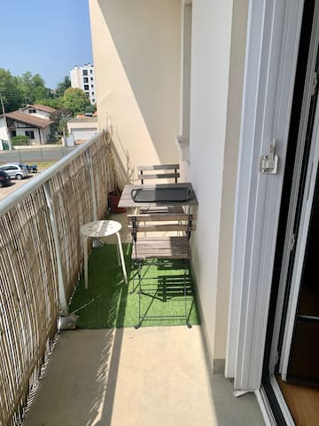 Studio 28m2 avec balcon et place de parking
