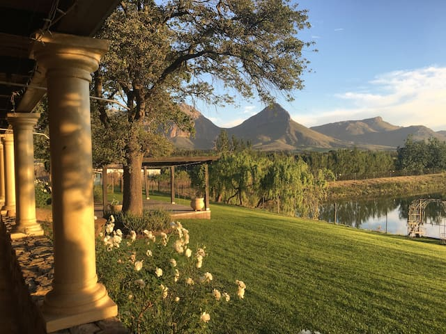 Eben Farm - Quirky Farm Accommodation (Blommie) - Paarl