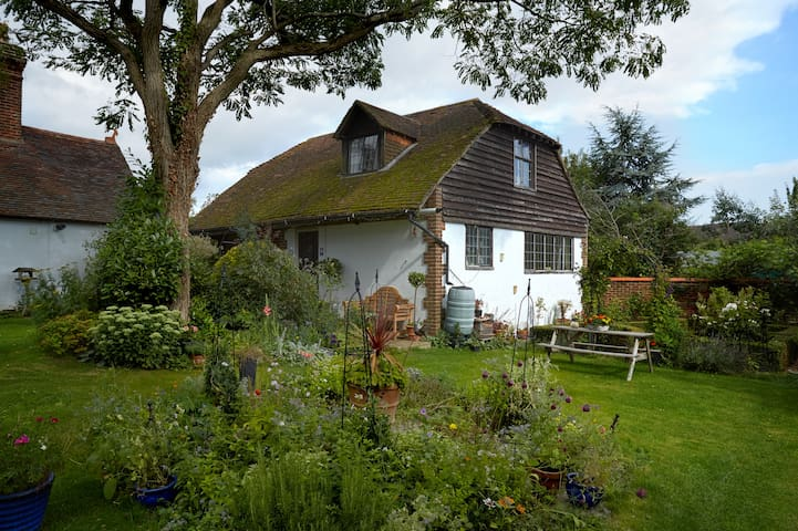 Strawberry Cottage B+B. Double Ensuite