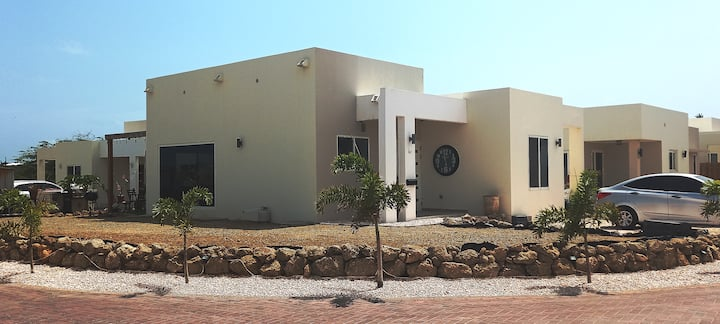 Aruba Cozy Inn
