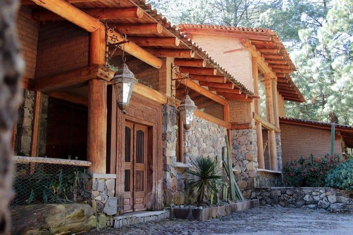 Cabaña de Lujo en Tapalpa, Cabaña Jaguares