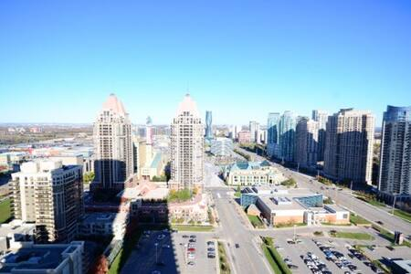 Fully furnished condo at Sq1 - Mississauga