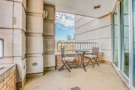 Beautiful Fully Furnished  2BR/2BA, with Hot Tub