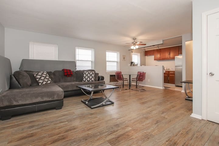 Cedar Road one Bedroom Apt. centrally located .
