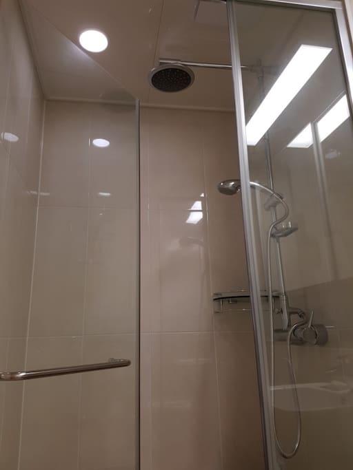 Shower Booth / 샤워부스