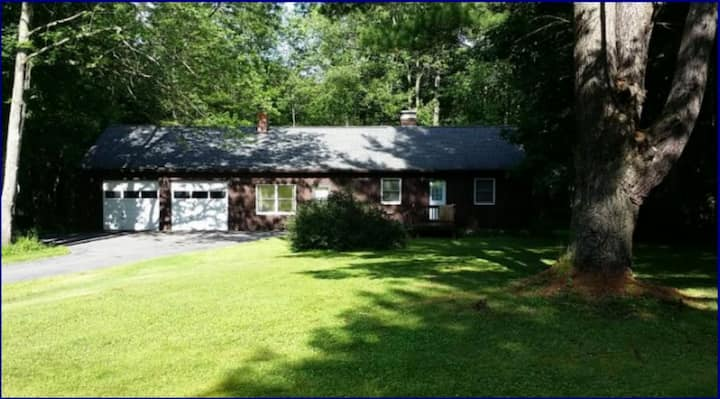 Private Wooded Retreat close to Cornell