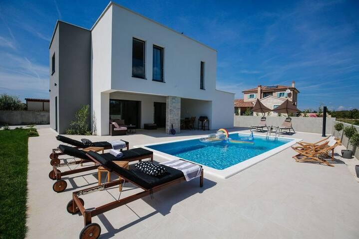 Modern villa in the heart of Istria