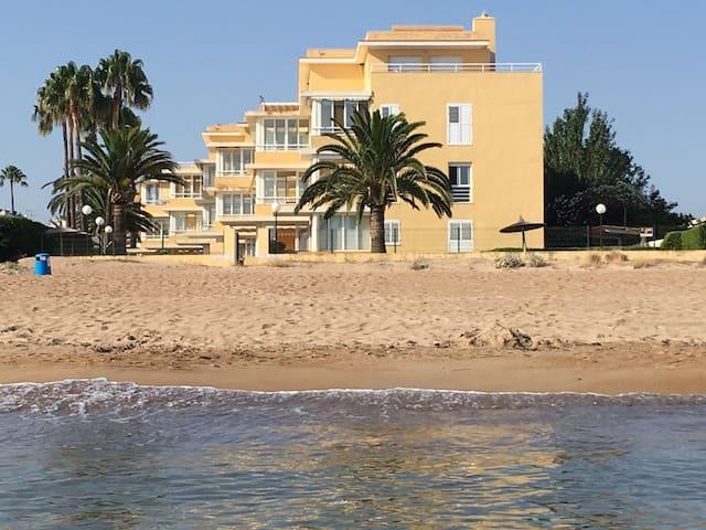 Denia, Playa Els Molins. Apto. 1ª frente a playa